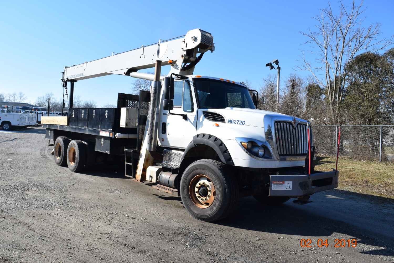 2011 Center Mount 20 Ton Crane Truck Danella Companies