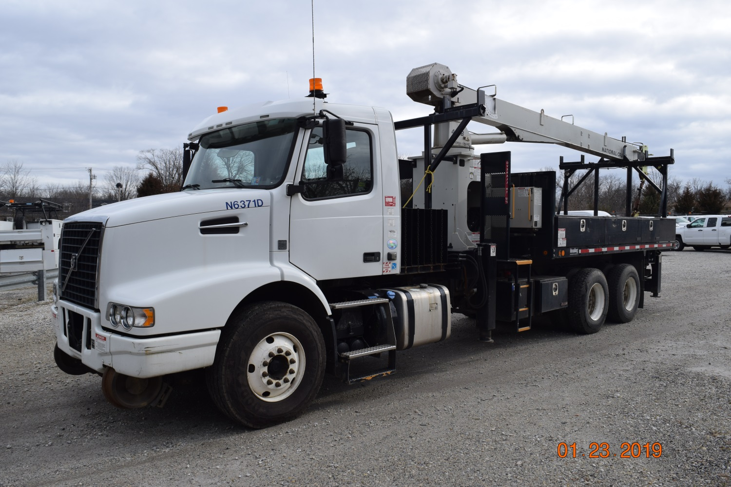 2011 Hi Rail Center Mount 10 Ton Crane Truck Danella